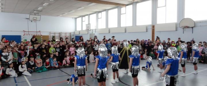 2015 Rosenmontag in der Grundschule